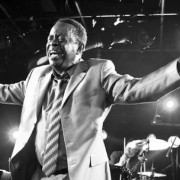 Official site of legendary soul singer, Charles 'Wigg' Walker.
